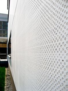 Spancrete architectural precast solutions bring beauty and unrivaled strength to your project, protecting your structure from weather and more - Learn more. Concrete Wall Panels, Concrete Facade, Concrete Architecture, Precast Concrete, Architecture Design, Concrete Finishes, Dynamic Design, Wall Patterns, Repeating Patterns