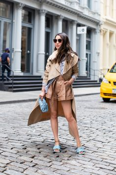 In the Mood for Blue - Summer Street Style - Wendy's Lookbook Wendy's Lookbook, Blue Trench Coat, Color Pairing, Street Style Summer, Leather Shorts, All About Fashion, Blue Bags, Mood, My Style