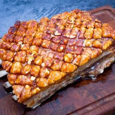 Langtidsstegt flæskesteg Food N, Good Food, Food And Drink, Yummy Food, Pork Recipes, Real Food Recipes, Cooking Recipes, Scandinavian Food, Danish Food