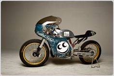 Smokin' Seagulls Honda CR250 by freestyle moto racer Drake McElroy. Rumoured to cost only US$1500 to build.