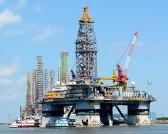 Visit the Strand in Galveston and view the massive Offshore Rig in dock getting ready to go to work. A site all enjoy. Galveston, Pipeline Jobs, Oil Rig Jobs, Oil Platform, Transportation Industry, Drilling Rig, Big Oil, Oil Industry, Crude Oil