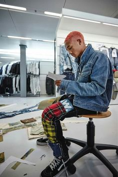 And so it began. What a thrill to welcome the visionary Jaden Smith into our family this year for an outstanding sustainable collab that will drop in October. School Fashion, Diy Fashion, Mens Fashion, Street Fashion, Willow Smith, Jaden Smith Fashion, Hiphop, Cute Poses For Pictures, Rapper