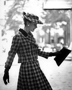Gigi Terwalgne in plaid tweed suit photographed by Georges Dambier for ELLE, 1957