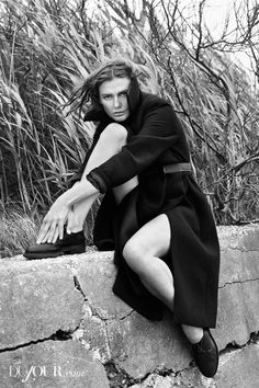 Bridget Hall Shoots First Editorial in 3 Years for DuJour Magazine