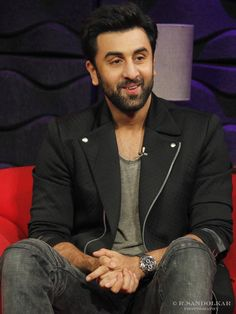 Ranbir kapoor at the Aaj Tak studio.  #DelhiMeinTamasha
