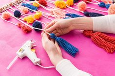 yarn-wall-hanging-9