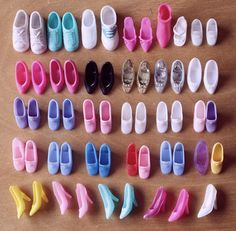 Barbie Shoes ~ I loved shoes even at an early age. I just lived vicariously through Barbie! Barbie Shoes, Doll Shoes, Barbie Clothes, Dress Shoes, Barbie Dress, Shoes Heels, Vintage Barbie, Vintage Toys, Habit Barbie