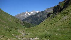 Valle de La Ripera, refugio del Cantal, el macizo de Argualas y el Garmo Negro (3064 metros)