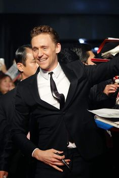 Tom at Times Square, Seul (Korea 2013) #TomHiddleston source: wordpress ©ali