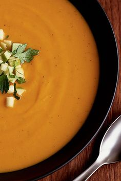 This quick and easy sweet potato soup recipe incorporates sweet potatoes, parsnip, garlic, apple cider and granny smith apples to create the ultimate comfort food meets fall recipe. Whether you're eating this sweet potato recipe as a quick and easy weeknight dinner or packing it for lunch the next day, it's a great choice for a fall recipe.#fallrecipes #sweetpotatorecipes #souprecipes #sweetpotatosoup #applerecipes