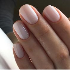 Obraz może zawierać: co najmniej jedna osoba i zbliżenie – Nails Oxblood Nails, Mauve Nails, Neutral Nails, Shellac Nails, Pink Nails, Burgendy Nails, Magenta Nails, Nails Turquoise, Color Nails