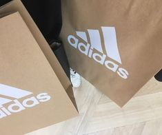 adidas, beige, and aesthetic 이미지 Aesthetic Bags, Beige Aesthetic, Aesthetic Style, Creative Instagram Stories, Instagram Story, Instagram Feed, Shadow Photography, Tumblr Photography, Shoping Bag