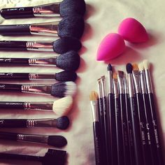 All my favorite makeup tools! Mac brushes, Sigma bruses and the Beauty Blender!