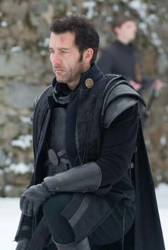 Clive  owen  the  last  knights  raiden  2015