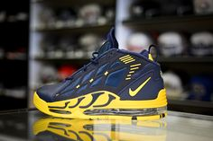 Nike Air Max Pillar - Midnight Navy/Varsity Maize. Don't understand the allure of the Pillars but this colorway is cool. Go Blue, Sneaker Magazine, Fresh Kicks, Fantasy Football, Extreme Sports, Nike Shoes, Sneakers Nike, Nike Air Max, Adidas Originals