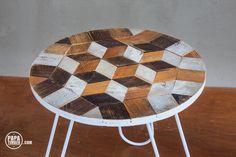 coffeetable made out of reclaimed wood with geometric pattern /Drewniany stolik ze szpuli i szkrzynek po owocach z geometrycznym wzorem - DIY - PAPA Timber