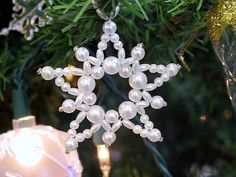 Google Image Result for http://img.ehowcdn.com/article-new/ehow/images/a04/th/gv/vintage-beaded-ornament-instructions-800x800.jpg
