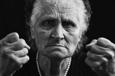 How to Respond to Combative Behavior in People with Dementia