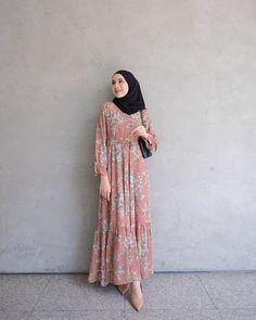 Hijab Casual, Ootd Hijab, Hijab Outfit, Muslim Fashion, Hijab Fashion, Fashion Outfits, Dress Muslimah, Clothes Women, Muslim Women