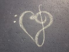 Music, the only way to her heart ♪♫♪♫