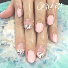 #gelnails #flowerpattern #ジェルネイル #フラワーネイル #canarycentral #canarynail Eyelash Salon, Eyelashes, Salons, Feminine, Instagram Posts, Beauty, Lashes, Women's, Living Rooms