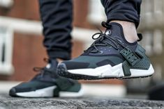 Who's Feeling The New Nike Huarache? | Closer Look | The Sole Supplier