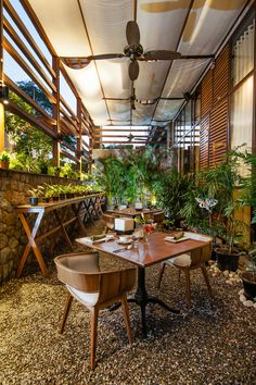Fio Restaurant, India designed by Chromed Design & Project 810