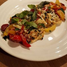 Oh my I can make a good breakfast! Eggs chorizo peppers toms basil cayenne. Beast!!!! Nom nom nom  #eathealthy #foodporn #foodie #foodgasm #train #recipe #eatclean #FuelForFitness #postworkout #recovery #weightloss #bbg #bbggirls #fat #cleaneats #protein #bbgcommunity #healthyeating #carbs #running #fitfood #sprintkitchen
