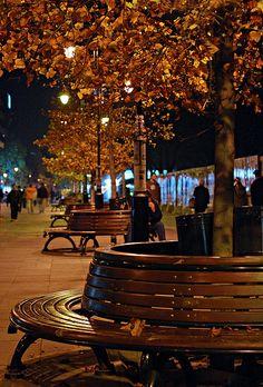 www.macedonievakantiehuis.n  www.ohridvakantiehuis.nl  Autumn night, Skopje, Macedonia