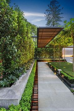 8 Grand Clever Ideas: Backyard Garden Design To Get cottage backyard garden woods.Backyard Garden Vegetable How To Grow backyard garden design layout. Modern Landscape Design, Modern Landscaping, Landscape Architecture, Backyard Landscaping, Landscaping Ideas, Architecture Design, Walkway Ideas, Farmhouse Landscaping, Pergola Patio