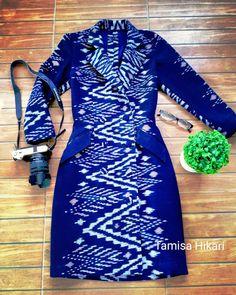 Silk Dress, Dress Up, Thai Dress, Silk Jacket, Ankara Styles, Cotton Dresses, Dress Outfits, Girl Fashion, Short Dresses