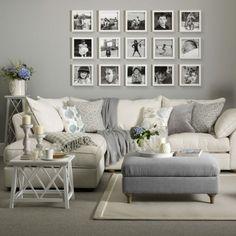 salon en colores neutros, gris y beige, ideas para espacios pequeños, paredes grises, decoración con fotografías en blanco y negro, sofá con cojines, moqueta y tapete