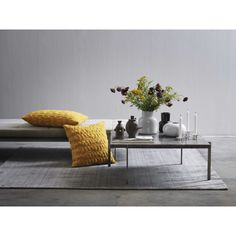 Fritz Hansen has just released a series of new accessories in their Objects collection and my favorites are the Geo Sculptures designed by Jaime Hayon. Sofa Design, Design Vase, Sofas For Small Spaces, Table For Small Space, Living Room Furniture, Living Room Decor, Art Furniture, Trendy Furniture, Living Area