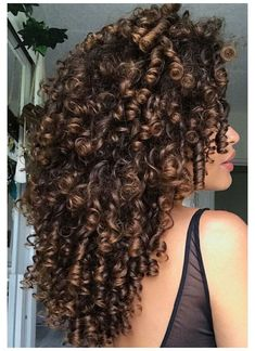 Dyed Curly Hair, Curly Hair Styles, Colored Curly Hair, Curly Hair Tips, Natural Hair Styles, 3c Natural Hair, Natural Hair Highlights, Coiffure Hair, Hair Updo