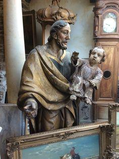 Groot antiek houten beeld .... Te koop bij Medussa Heist op den berg
