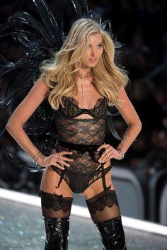 Elsa Hosk at 2016 Victoria's Secret fashion show in Paris. #vsfashionshow #victoriassecret #vsangel #lingerie #runway #fabfashionfix #elsahosk
