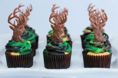 Made Camo Deer Hunter Cupcakes today on Nerdy Nummies.