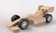 These wooden toy kits are an Australian dad's answer to getting children off electronic devices and back to basics with their fathers (and mothers).