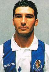 António José dos Santos Folha, nasceu no dia 21 de Maio de 1971 em Vila Nova de Gaia. O S.C. Canidelo foi o primeiro clube que representou, no ano de 1981 quando contava com apenas dez anos. Em 1982, ingressou no Futebol Clube do Porto, onde fez todas as etapas dos escalões de formação. Na temporada de 1989/90 subiu a sénior e foi emprestado ao Gil Vicente F.C., tendo jogado no clube da cidade de Barcelos durante duas épocas. Em 1991/92, regressou ao F.C. Porto para se estrear com a…