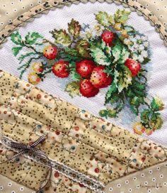 strawberry basket...cross stitch and quilted Я раскрашиваю будни крестиками: Ягодка к ягодке