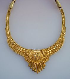 Gold Jewelry Design In India Real Gold Jewelry, Moon Jewelry, Gold Jewellery Design, Men's Jewelry, Pearl Necklace Designs, Belly Dance Jewelry, Silver Anklets, Schmuck Design, Jewelry Collection