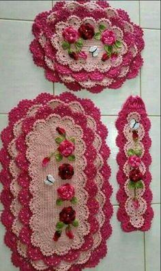 Jogos Owl Bathroom, Knitting Patterns, Crochet Patterns, Quinceanera Dresses, Crotchet, Crochet Doilies, Crochet Earrings, Carpet, Victorian