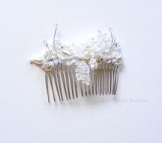 Bridal+veil+comb+hair+ornament+wedding+head+by+ArtEraBridalVeil,+$28.00
