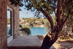 Hauser & Wirth Menorca will host temporary exhibitions and artists' residences, alongside a number of community workshops and artist-led programmes that centre on education and sustainability. Menorca, Jacuzzi, Architectural Digest, Ideas De Piscina, Stone Masonry, Zaha Hadid Architects, Spanish House, Outdoor Sculpture, Interior Exterior