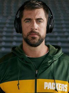 The man the myth the legend 💗 Packers Baby, Go Packers, Green Bay Packers, Nfl Football Teams, Packers Football, Football Season, Football Baby, College Football, Aaron Rogers