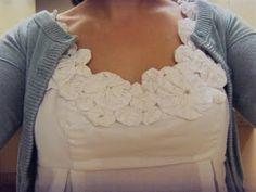 LaurenSmash: Yo Yo Shirt in Action! Fabric Crafts, Sewing Crafts, Sewing Projects, Sewing Clothes, Diy Clothes, Yo Yo Quilt, Refashion, Sewing Hacks, Fabric Flowers