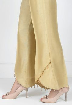 BEAUTIFUL new style finish for pant pants legs.You don't have to go to the extreme of the beading if you don't want to.Without the beading, they still look super elegant !Best Picture For Women Pants diy For Your TasteYou are looking for somet Salwar Designs, Kurti Designs Party Wear, Sleeves Designs For Dresses, Dress Neck Designs, Blouse Designs, Plazzo Pants, Salwar Pants, Pakistani Dresses Casual, Pakistani Dress Design
