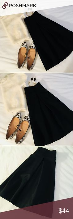 Zara High Waist Pleated Pin Up Skirt Super cute and stylish high waist skirt with structured pleats. Perfect addition to any preppy and stylish wardrobe Zara Skirts A-Line or Full
