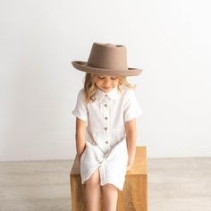 With a slightly curled up brim and telescope crown, the Ginger is one of the most fashionable hats to reach the shelves of Gigi Pip and your little is sure to look adorable in it. This neutral gambler hat has the perfect blend of stiffness added to it and is ready to wear, well anywhere. Materials: The Ginger is made of 100% Australian Wool with a polyester liner and cotton-poly inner sweatband. The Ginger Kids Taupe is available in 53 cm and features and adjustable inner band to ensure the… Baby Outfits Newborn, Baby Boy Outfits, Kids Outfits, Hipster Baby Clothes, Cute Baby Clothes, Toddler Fashion, Kids Fashion, Ginger Kids, Gender Neutral Baby Clothes