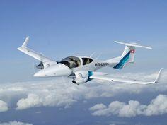 Diamond DA-42 composite twin. Made in Canada. The safest twin piston airplane in the world. My dream plane.  lessonator.com